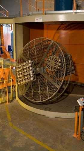 rotomachinery-stampaggio-rotazionale-carrelli indipendenti 00012